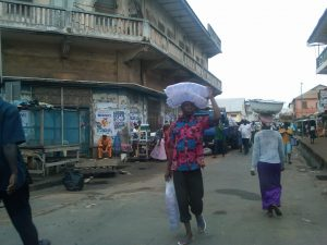 A street scene in Ghana. Photo by Ebenezer Akakpo.